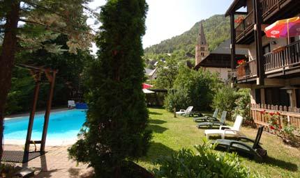 hôtel piscine dans la vallouise